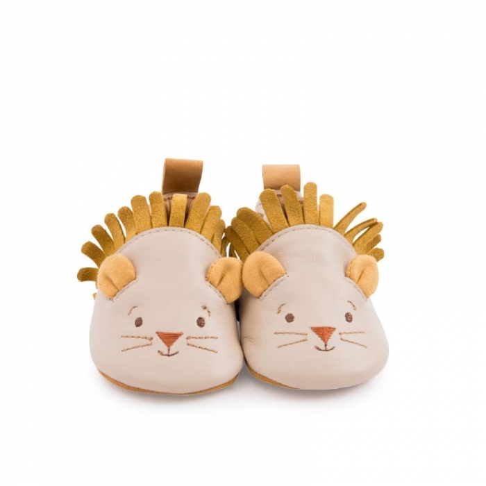 Chaussons_cuir_lion_beige_Sous_mon_baobab_Moulin_Roty