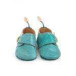 Chaussons_cuir_oie_bleu_Le_voyage_d_Olga_Moulin_Roty