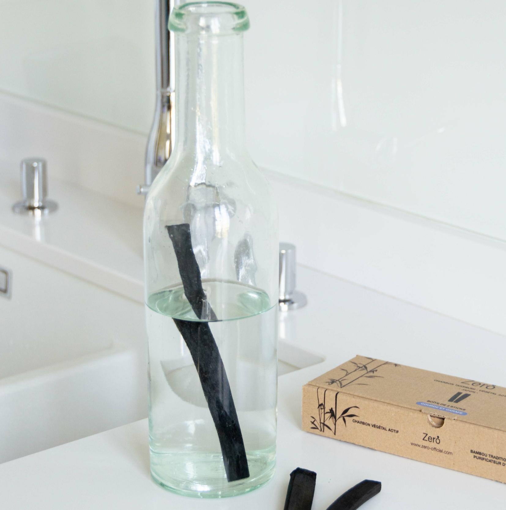 Charbon végétal de bambou - Pack carafe - Boîte de 2 bâtons pour 1 an de purification d\'eau