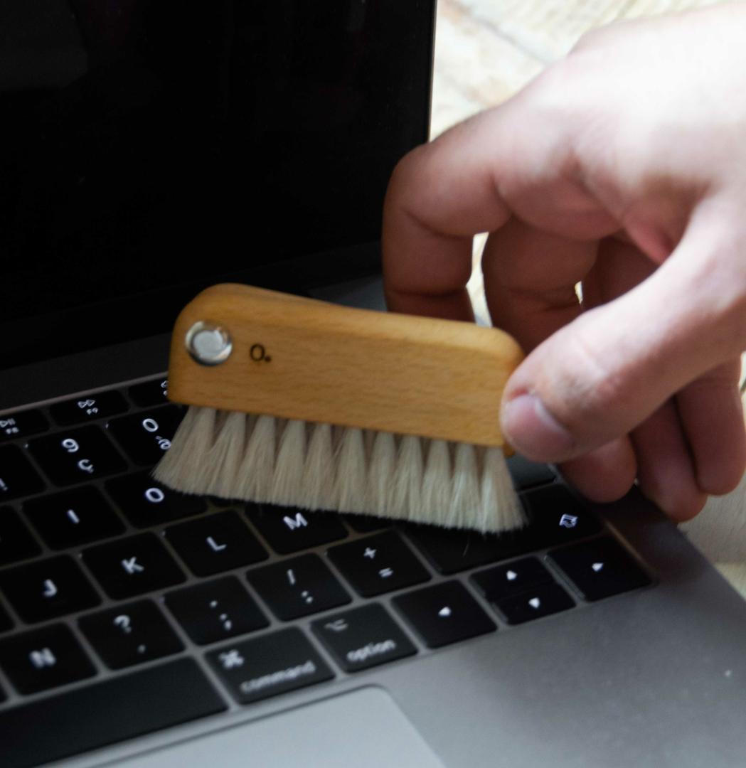 Brosse pour nettoyer son ordinateur et clavier - Collection Zero
