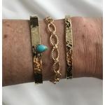 bracelet - jonc meghan en plaqué or 3 microns martelé et serti dune pierre turquoise en forme de goutte