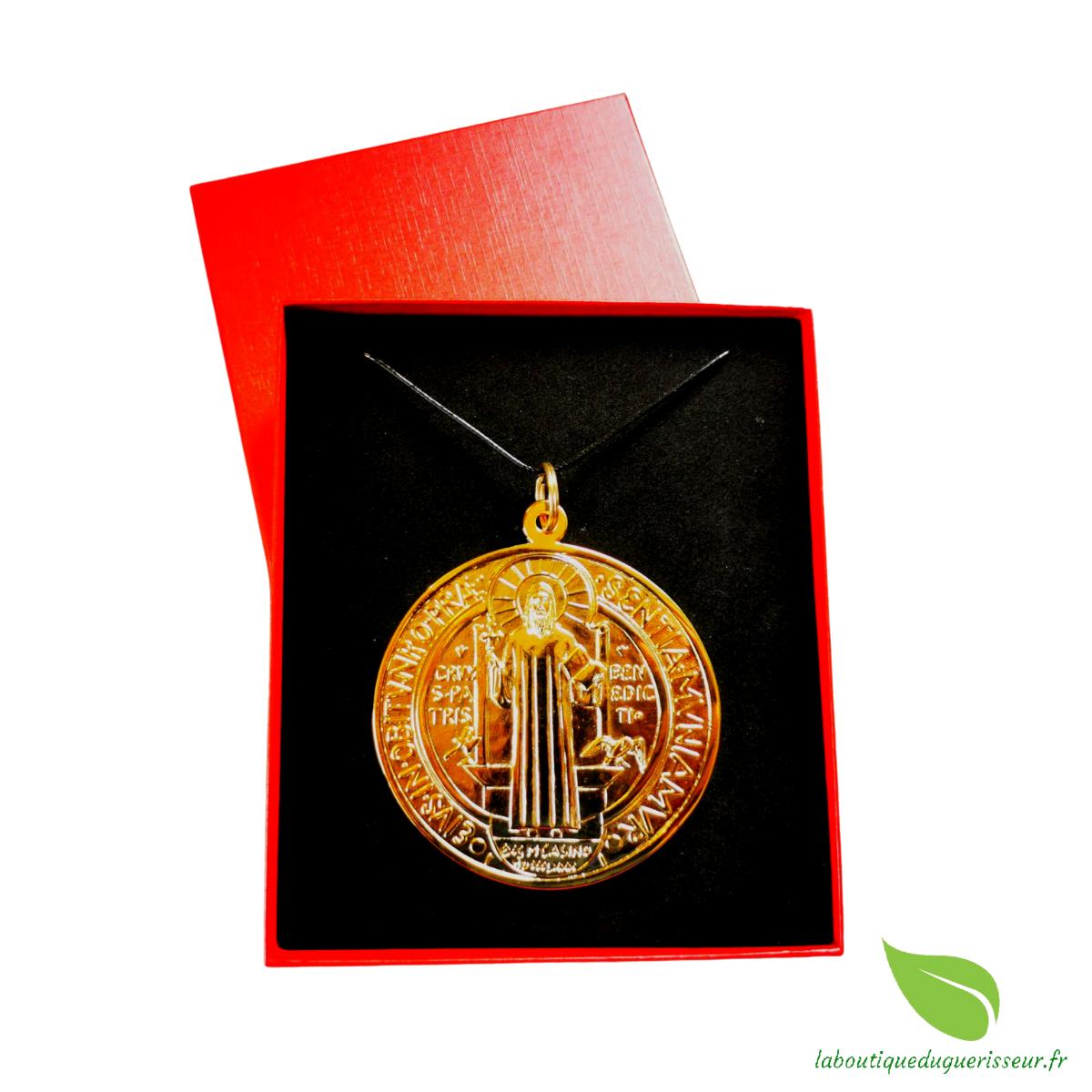Coffret Collector Médaille Saint-Benoît Dorée