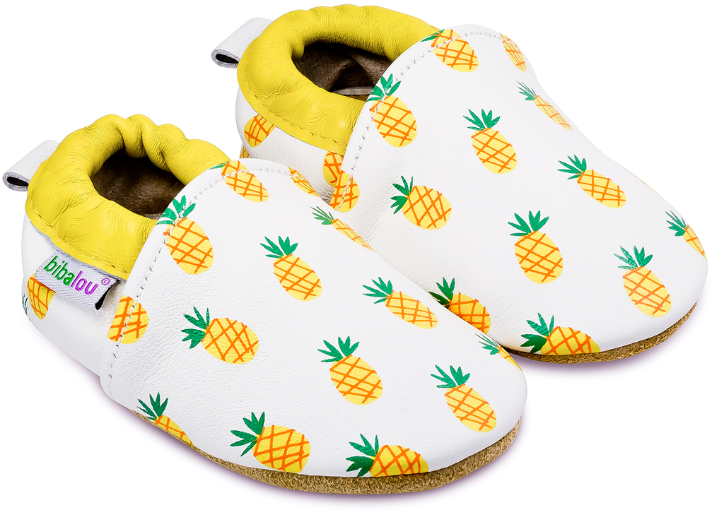 chaussons-ananas-main-900