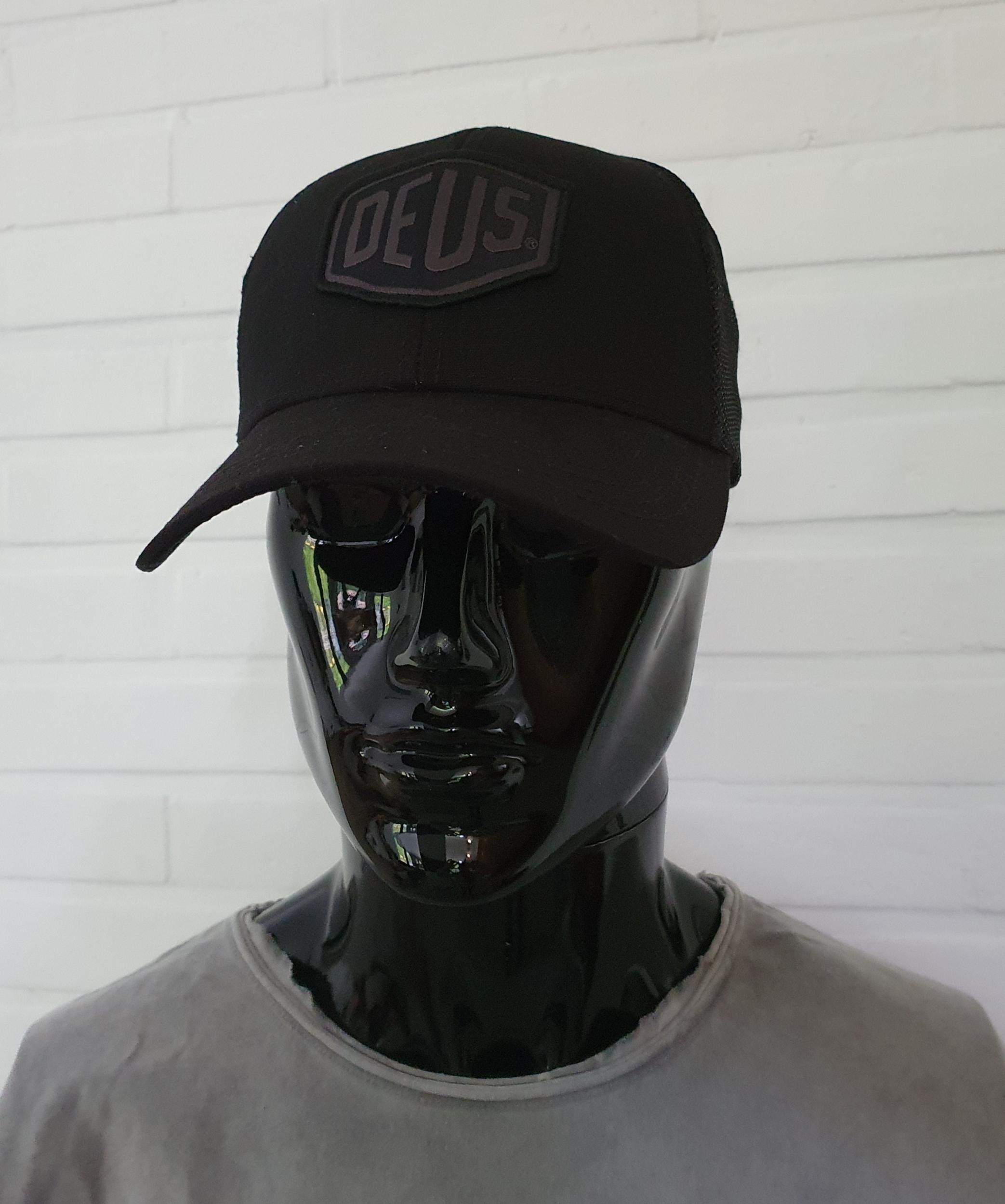 Casquette Deus Ex Machina - Woven Shield Trucker Black