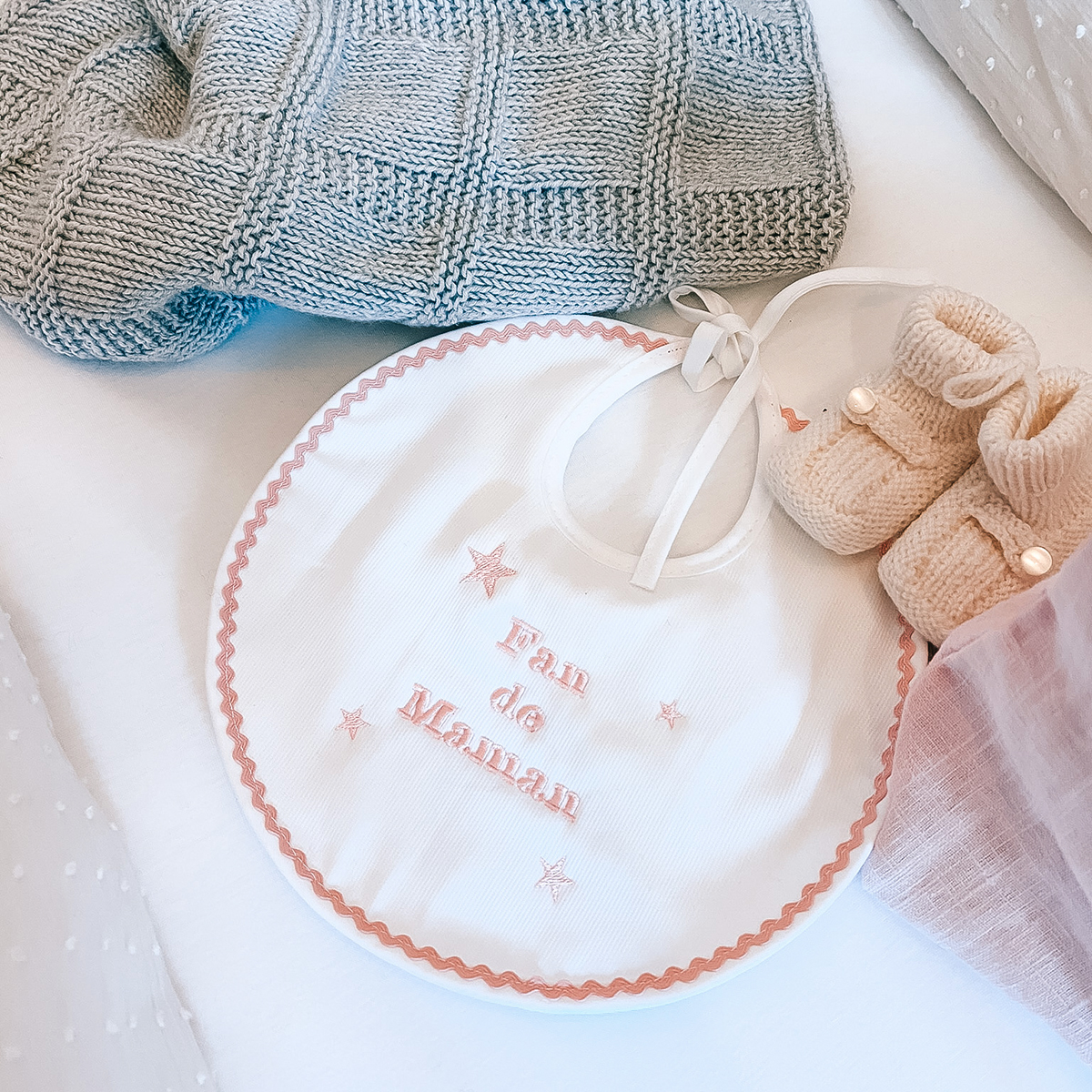 Bavoir en coton blanc Fan de maman