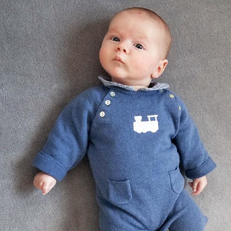 combi-bébé-bleu-jean-train