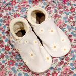 chausson-cuir-bébé-daisy-marguerite-2