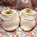 chausson-cuir-bébé-daisy-marguerite-1