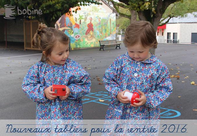 carousel-tabliers-fleurs-bleus