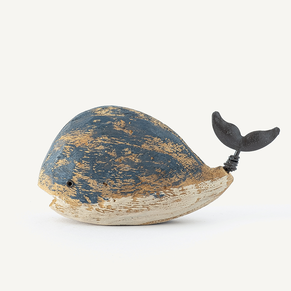 Baleine en bois gourmande petite