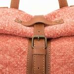 detail-sac-a-dos-marin-rouge