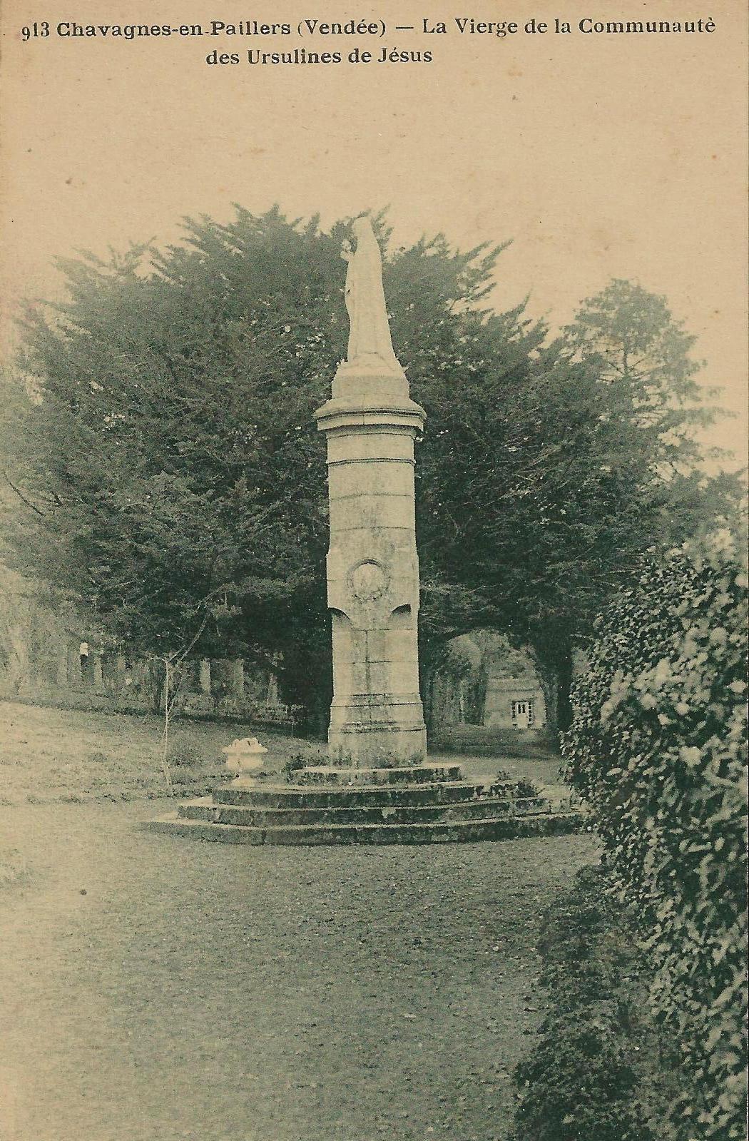 CHAVAGNES EN PAILLERS monument