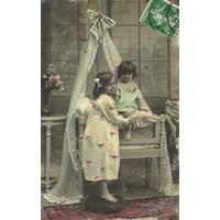 ENFANTS AU BERCEAU CARTE COLORISÉE  / VONNAS (AIN) / 1908