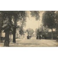 FONTAINEBLEAU LE CARROUSEL / 1916