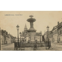 CLERMONT (OISE) FONTAINE MASSE / 1926
