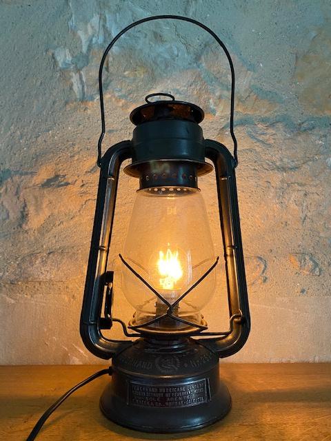Lampe tempête ancienne électrifiée