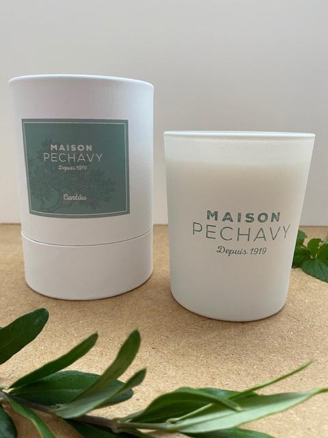 Bougie parfumée 180gr, verre blanc et étui