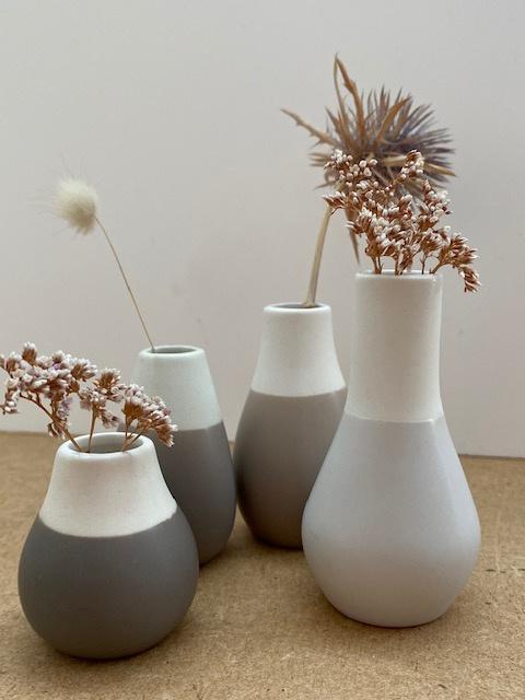 4 mini vases gris