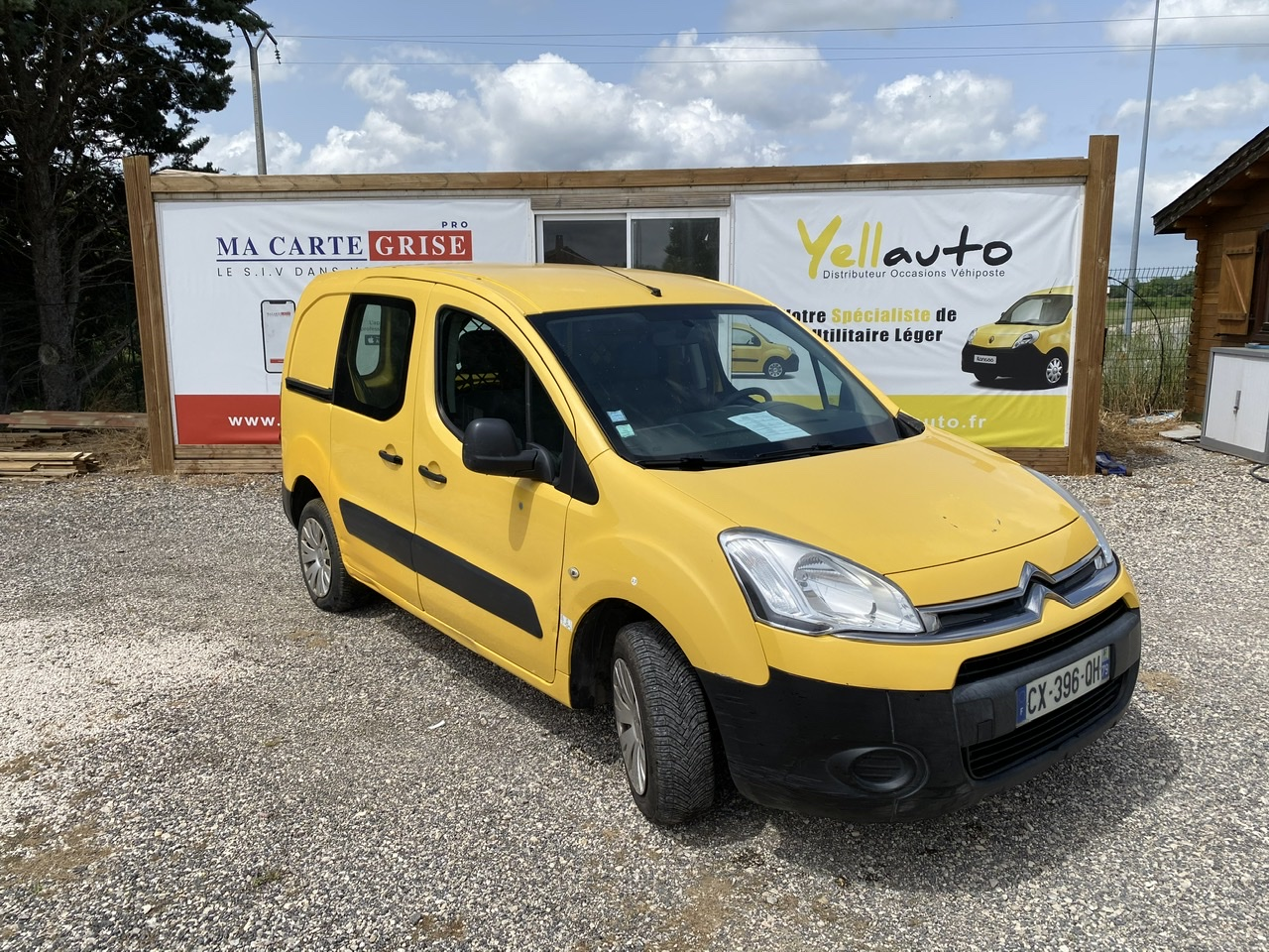 CITROËN BERLINGO 1.6 HDI 75 confort 3 places de 2013 avec 124360 km