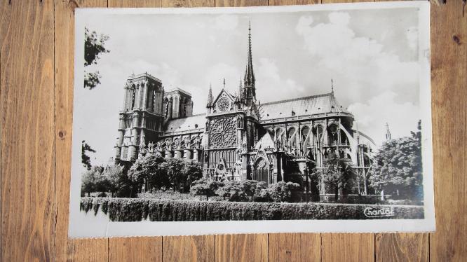 Carte postale ancienne : Notre-Dame de Paris