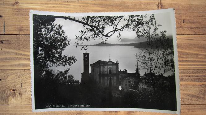 Carte postale ancienne : Gardone, Italie