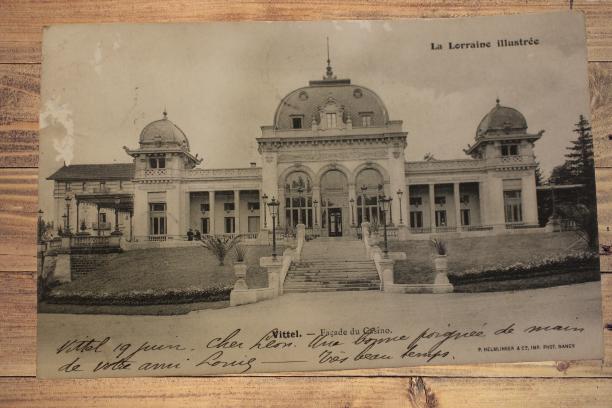 Carte postale ancienne : Vittel, le Casino