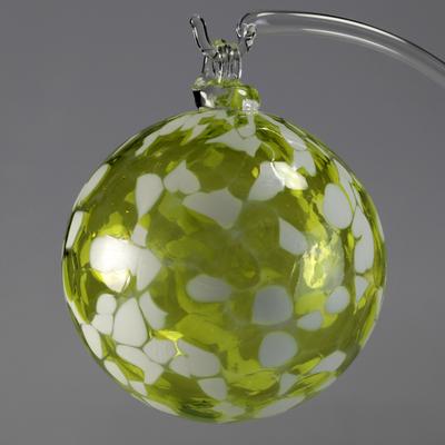 Boule de Noël verte anis 8cm