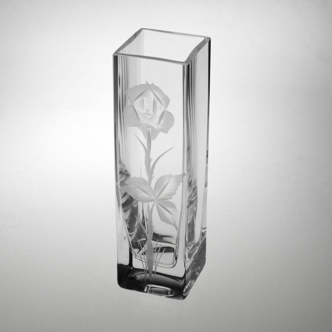 Vase_carre_4118_21cm_taille_rose_1