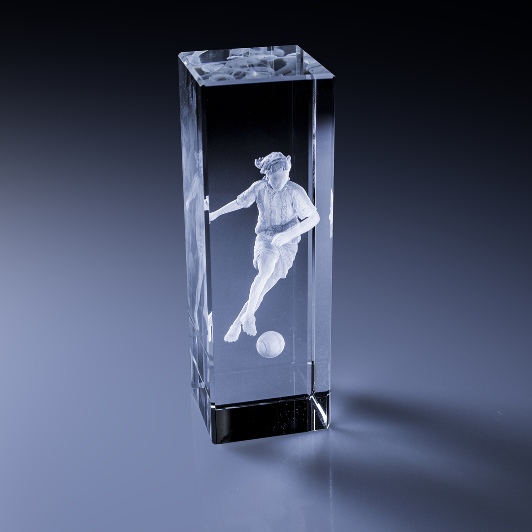 bloc_laser_3d_sportif_footballeuse