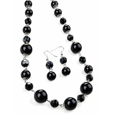 Collier avec  perles noires de différentes tailles + boucles d'oreilles assorties