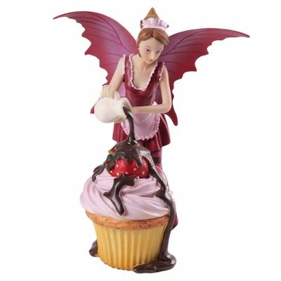 Fée rose avec cupcake par Natasha Faulkner