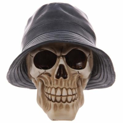 Crâne portant un chapeau