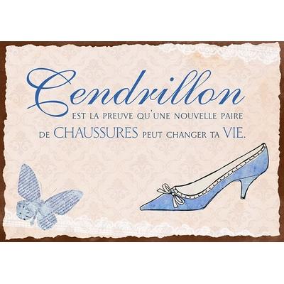 """Carte Postale Vintage : """" Cendrillon est la preuve qu'une nouvelle paire de  ..... """""""