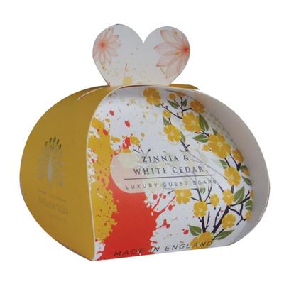 Savon ballotin cadeau d'invité : Fleurs de Zinnia et Cèdre Blanc