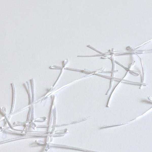 Noeud fin satin blanc