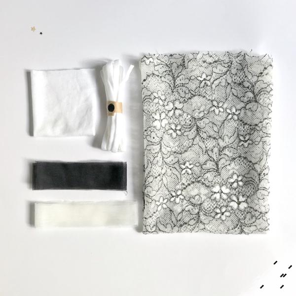 Kit couture complet slip pompom dentelle bi colore coloris ivoire et noire