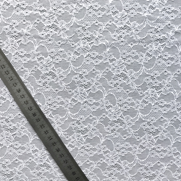 dentelle-blanc-grande-largeur-05