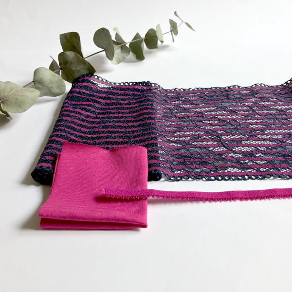 Kit lingerie dentelle shorty marine et fushia