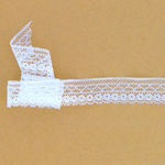 _0021_bordure-dentelle-rigide-blanc