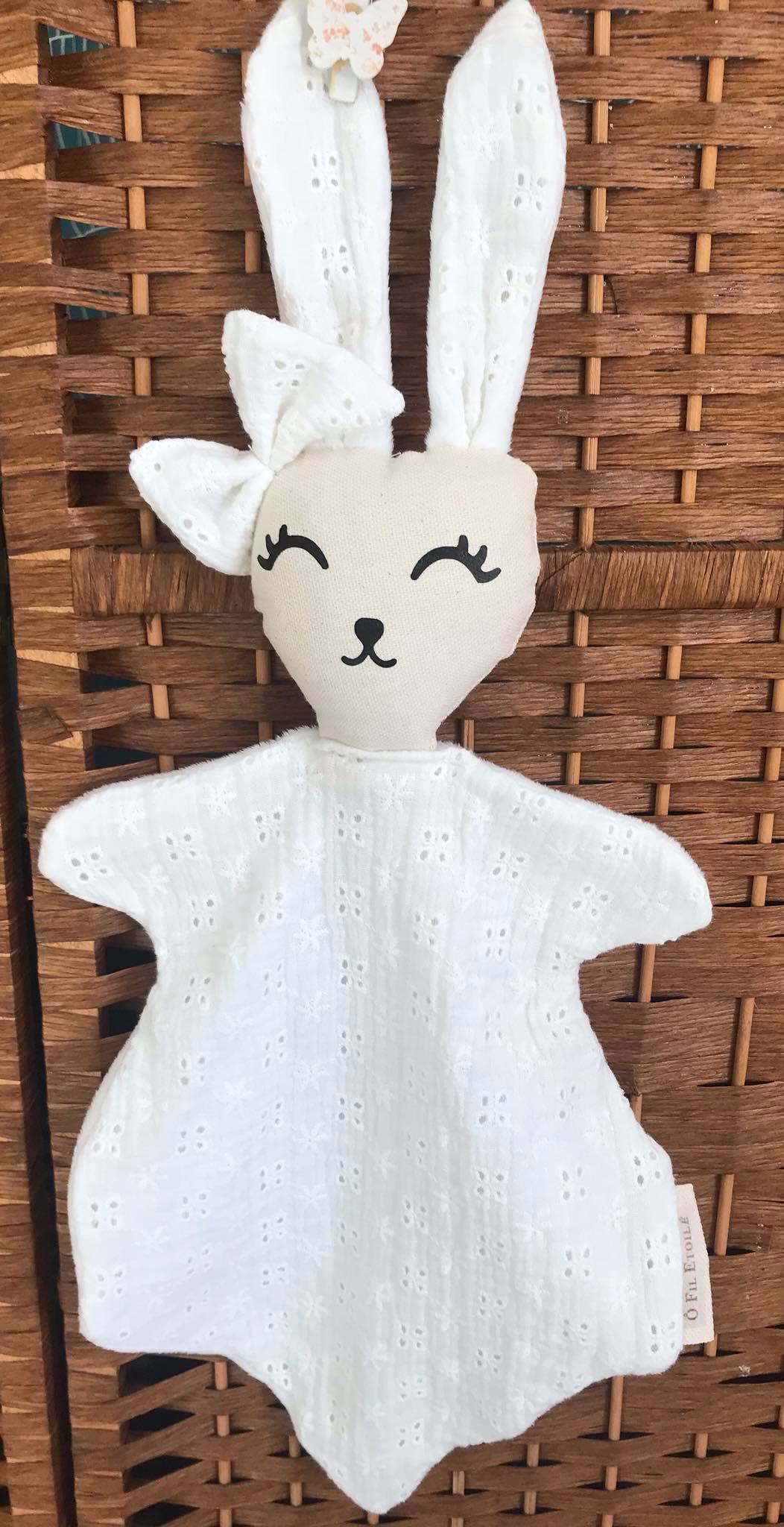 Doudou Broderie Anglaise blanche