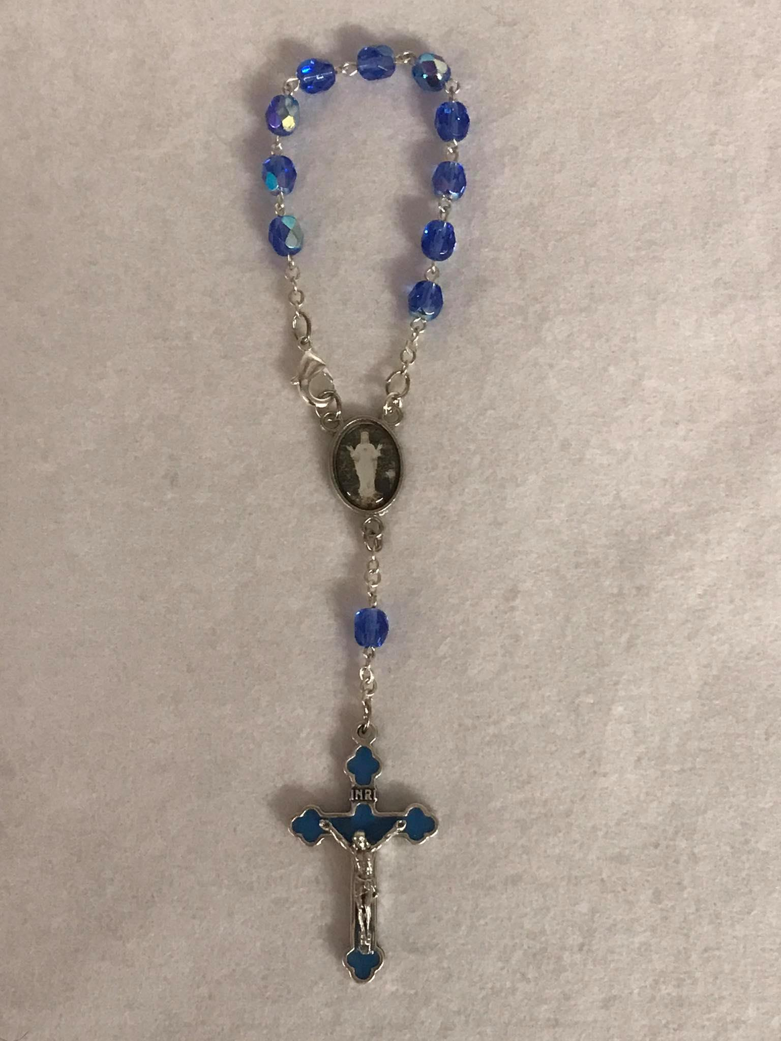Dizainier - cristal bleu - ND Beauraing