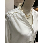 detail blouse