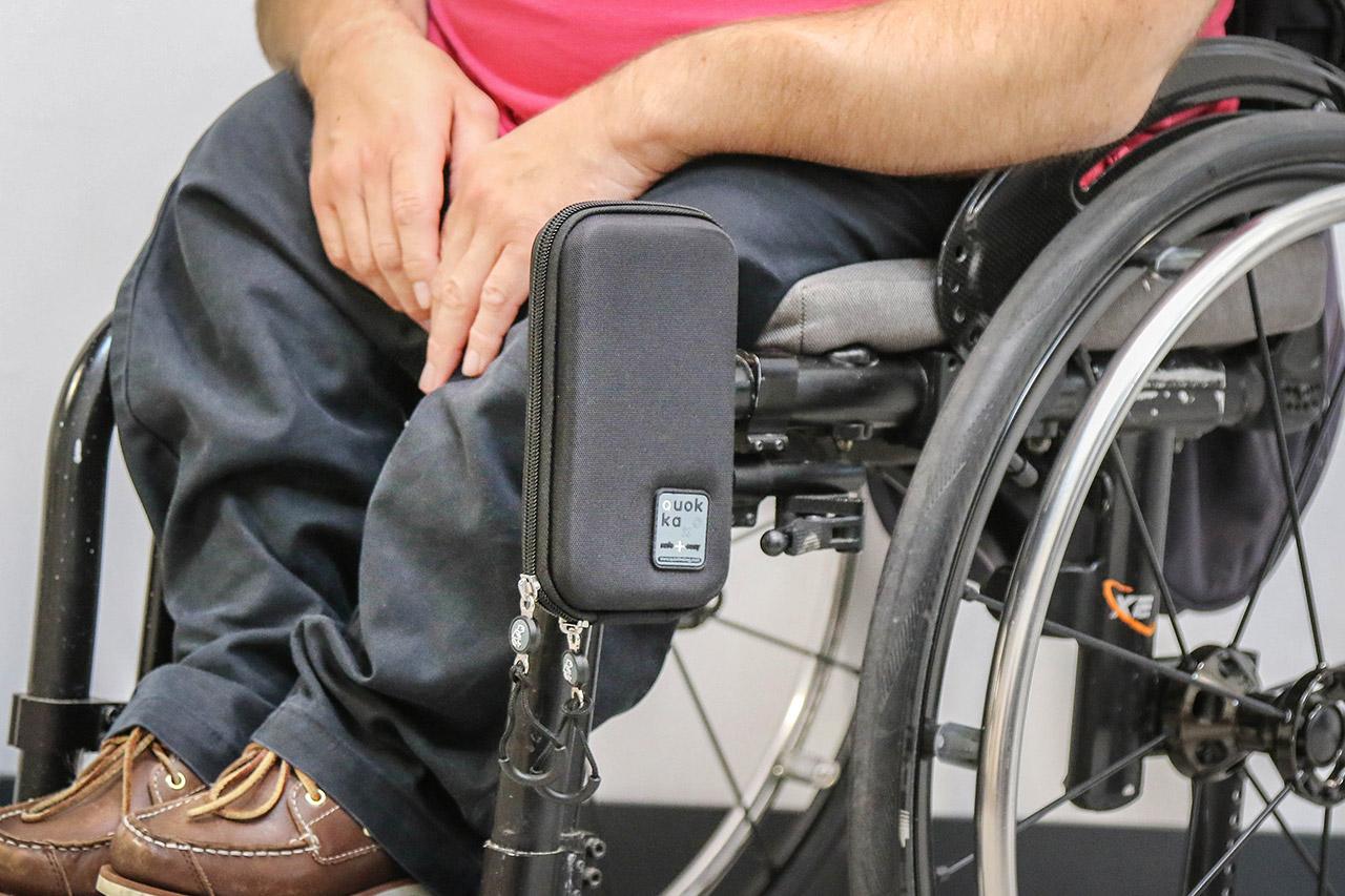 Pochette de téléphone portable pour fauteuil roulant