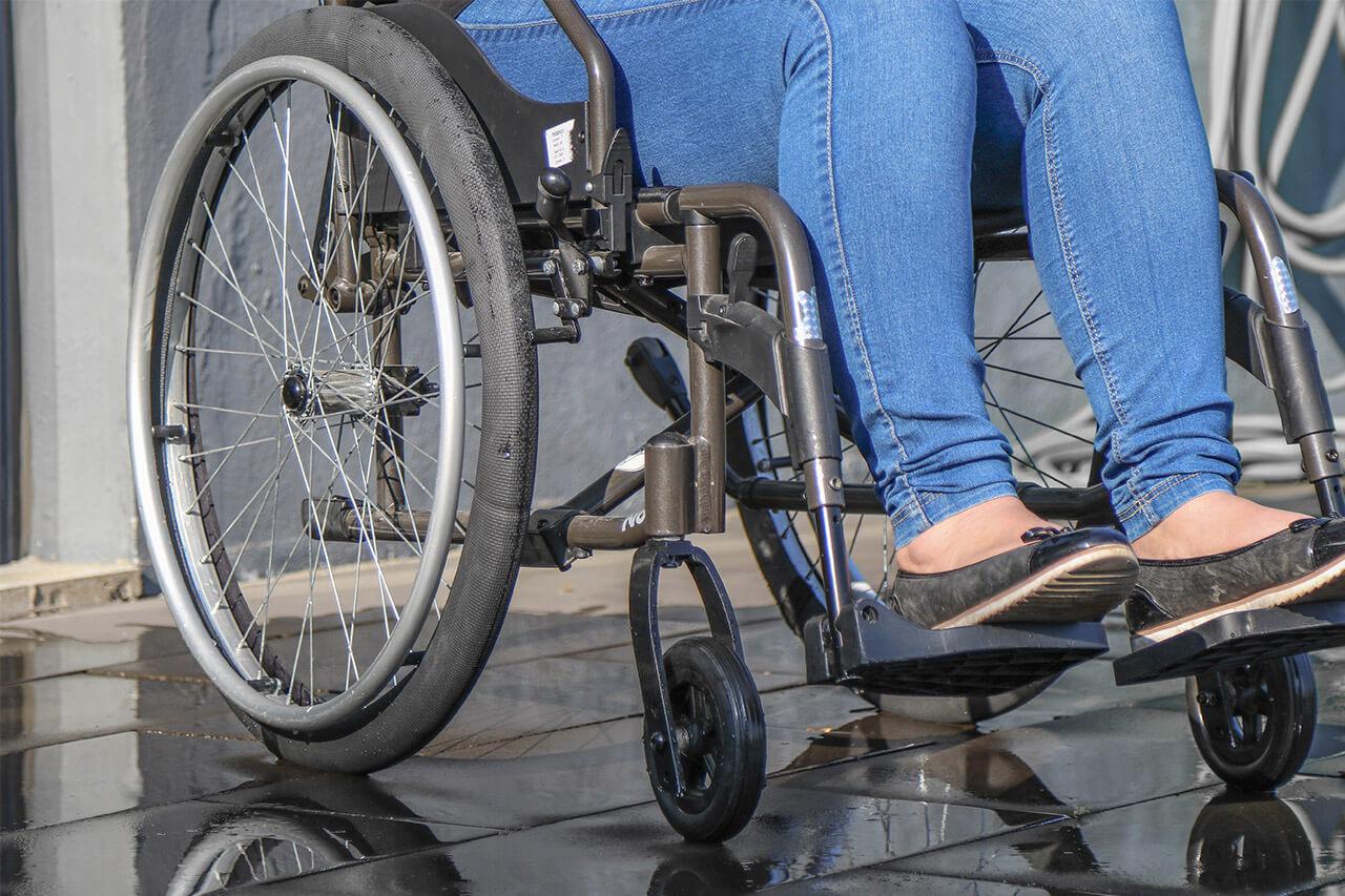 Chaussettes imperméables pour roues de fauteuil roulant