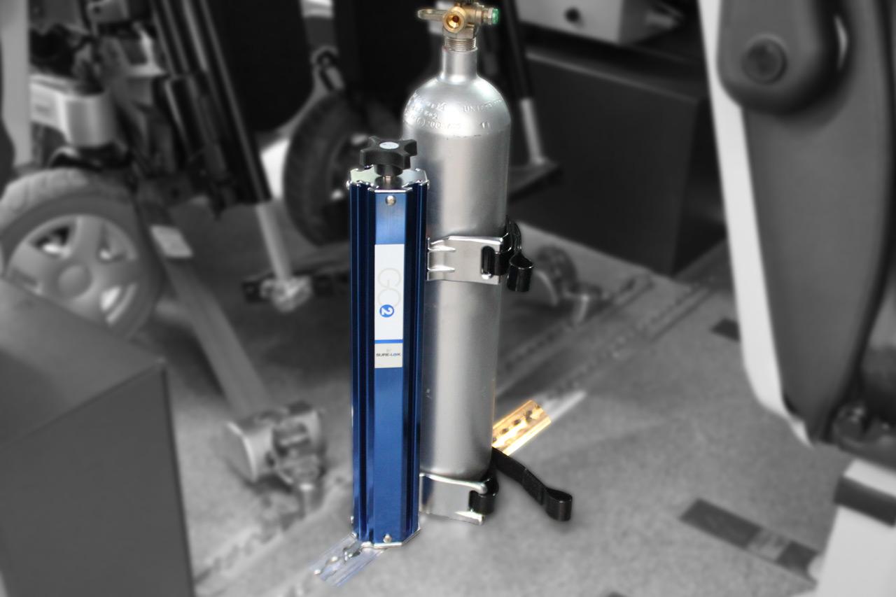 Support bouteille d\'oxygène fixation sur rails