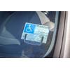 support_carte_stationnement_handicap_parebrise_03