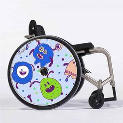 petits_monstres_flasque_fauteuil_roulant_02