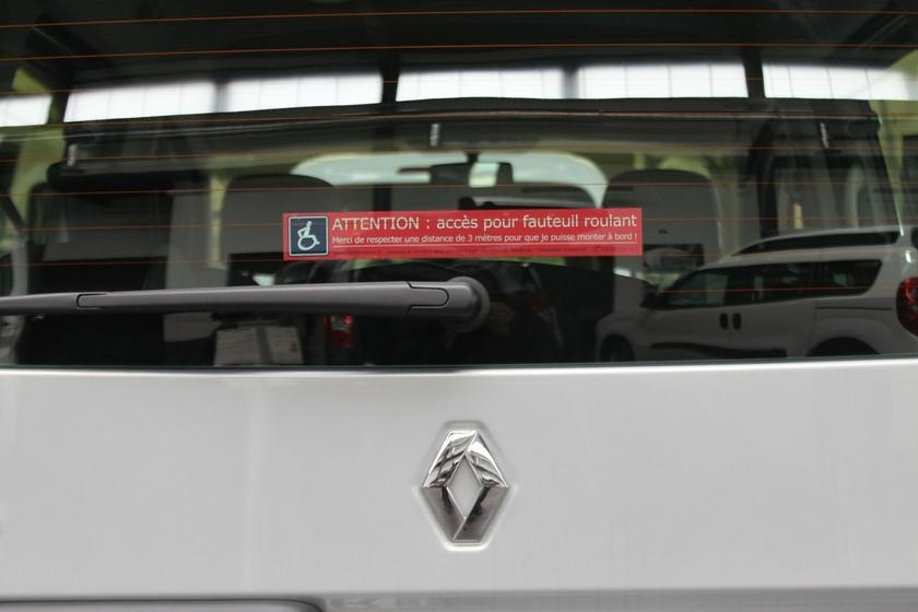 Pack autocollants s curit handicap design pour voitures accessible - Comment enlever un autocollant ...