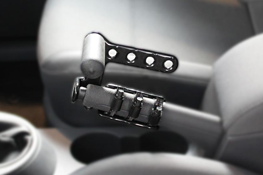 poign e pour le frein main de la voiture aide la conduite voiture handicap. Black Bedroom Furniture Sets. Home Design Ideas