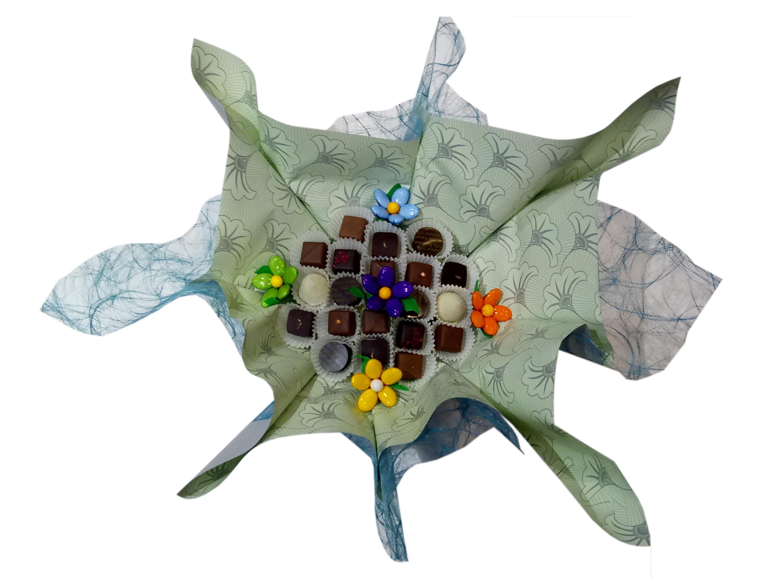 Bouquet de chocolats et cinq fleurs de dragées